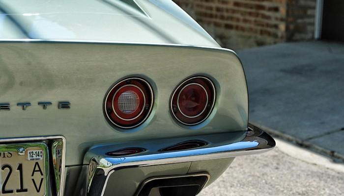 1972ChevyCorvette-12