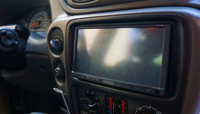 2004 Chevy Trailblazer Kenwood Radio