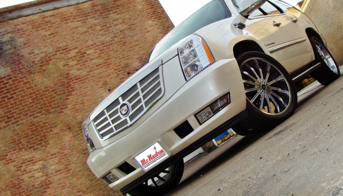 2007CadillacEscaladeFrontEnd