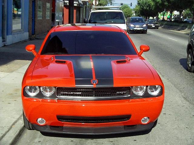 2010-challenger-srt8