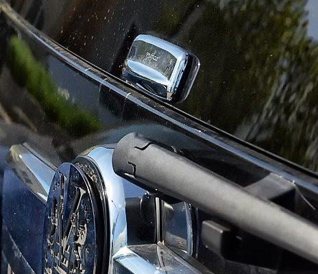 2011-Cadillac-Escalade-10