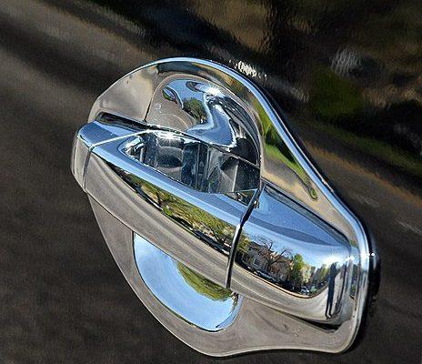 2011-Cadillac-Escalade-11