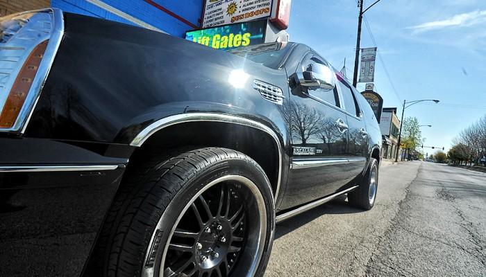 2011-Cadillac-Escalade-2