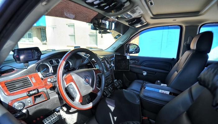 2011-Cadillac-Escalade-6