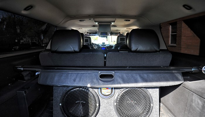 2011-Cadillac-Escalade-7