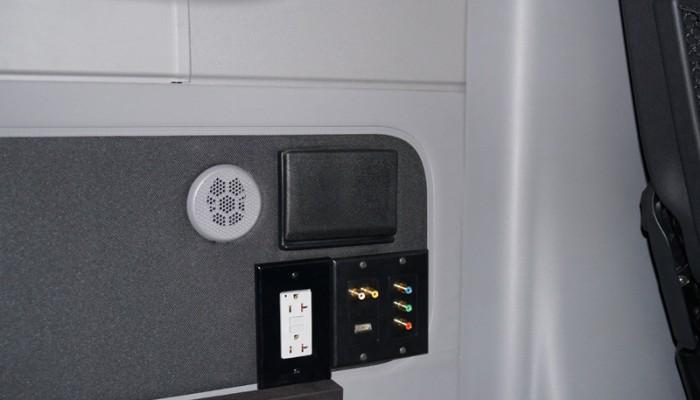 2012MercedesBenzSprinterVanTVAudioInputs