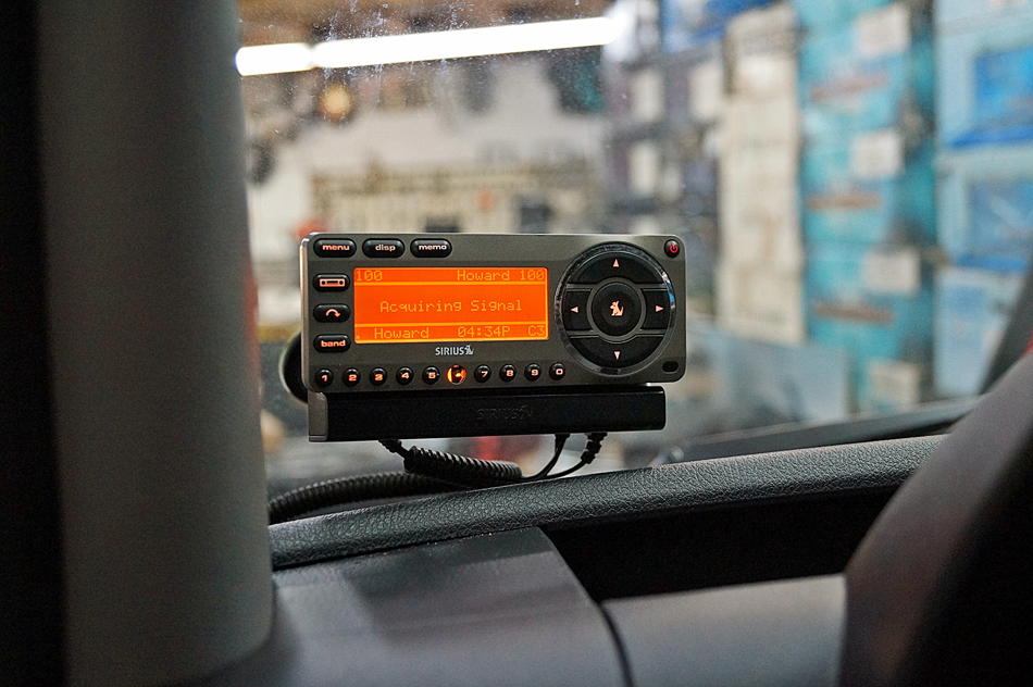 Radio for mercedes sprinter for Mercedes benz sirius radio