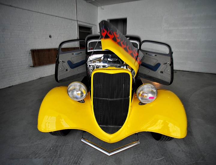 1933 Ford Coupe – Mr. Kustom Chicago