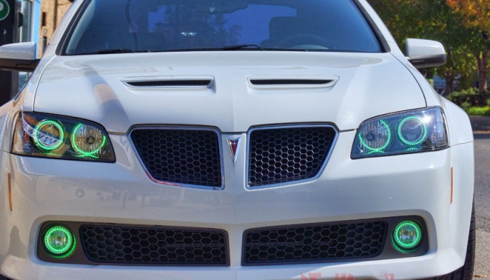 2009 Pontiac G8 Green Halo Headlights