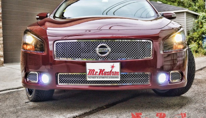 2010 Maxima Custom Grille and LED Lights