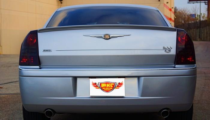 2005 Chrysler 300 Spoiler and Smoked Tail Lights