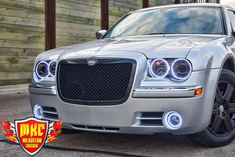 2005 Chrysler 300 White Halo Headlights