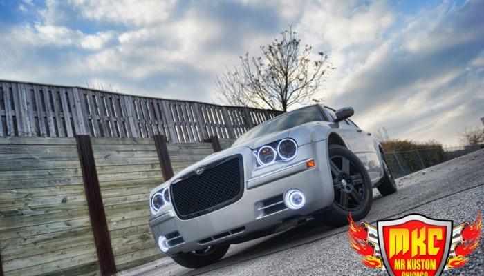 2005 Chrysler 300 White Halos