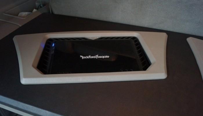 2004 Cadillac Escalade Rockford Fosgate Amp