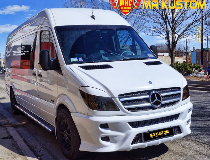 2010 Mercedes Sprinter Custom Leather Seats, Running Boards, Body Kit And More.