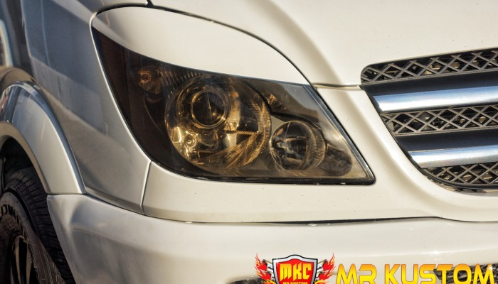 2010 Mercedes Sprinter Smoked Headlight