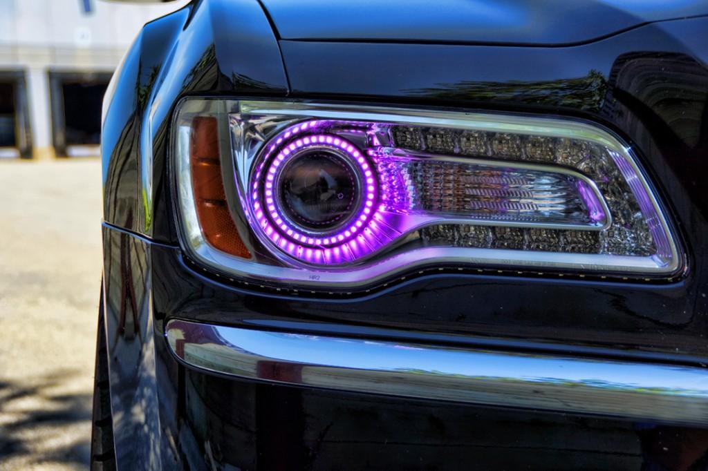 Chrysler300PurpleHaloHeadlights20121024x682.jpg