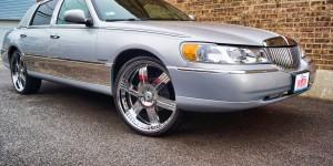 Custom Lincoln Towncar Asanti Chrome Rims