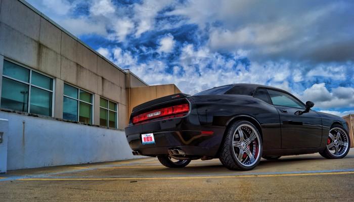 Dodge Challenger Custom SRT8