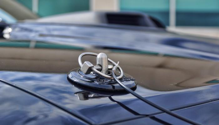 Dodge Challenger SRT8 Mopar Hood Pins