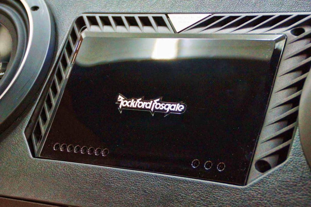 Rockford Fosgate Amp Porsche 911
